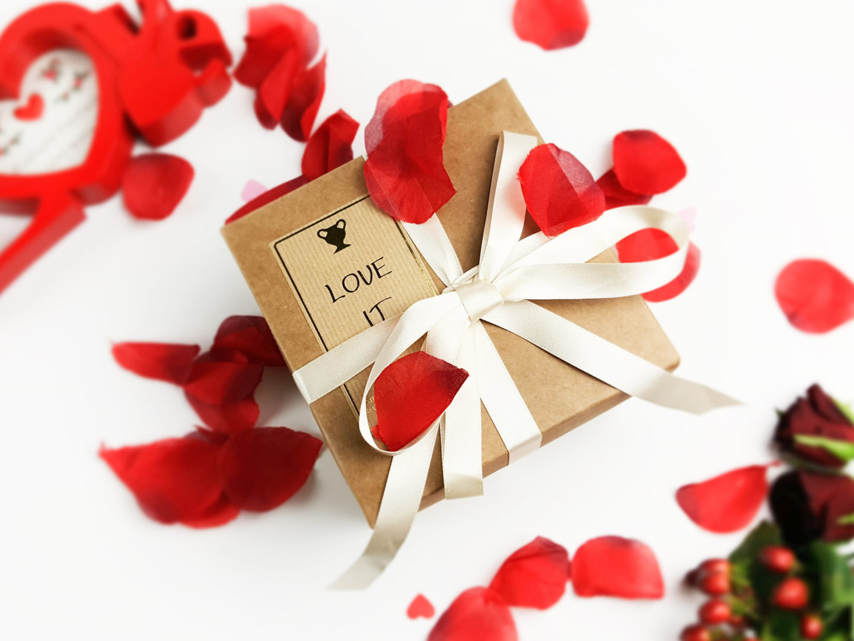 Amphora Aromatics Valentine's Gift Set – You will 'Love it'