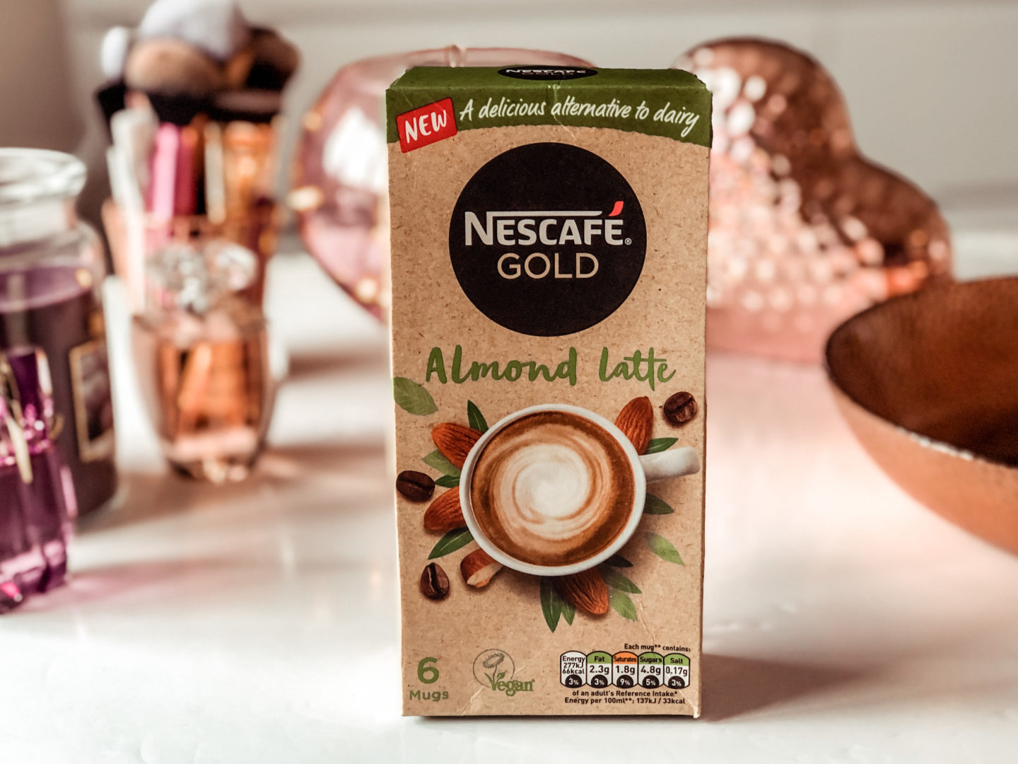 NESCAFÉ GOLD Almond Latte