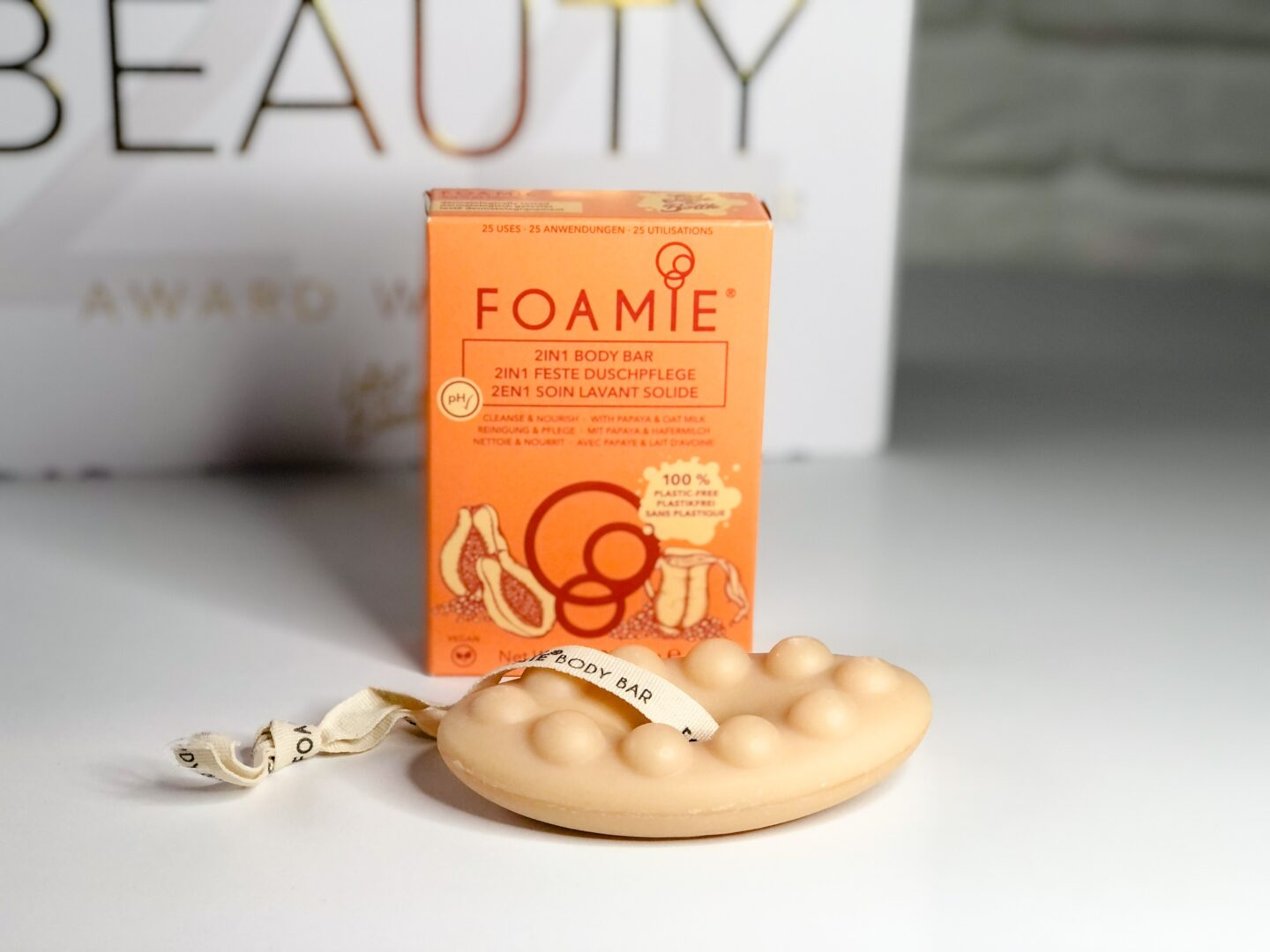 Foamie Papaya & Oat Milk 2 in 1 Body Bar - Beauty Calendar: The Award Winners